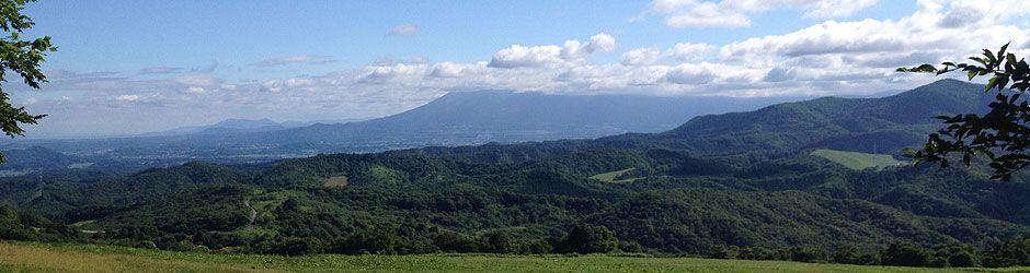 車之走り峠から岩手山を望む
